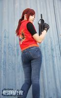 https://www.facebook.com/ClaireRedfieldTankian  Una gamer cosplayer 3